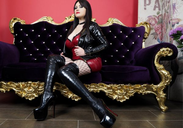 BrigitteDomme latex cam girl