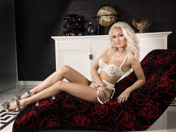 blond trans