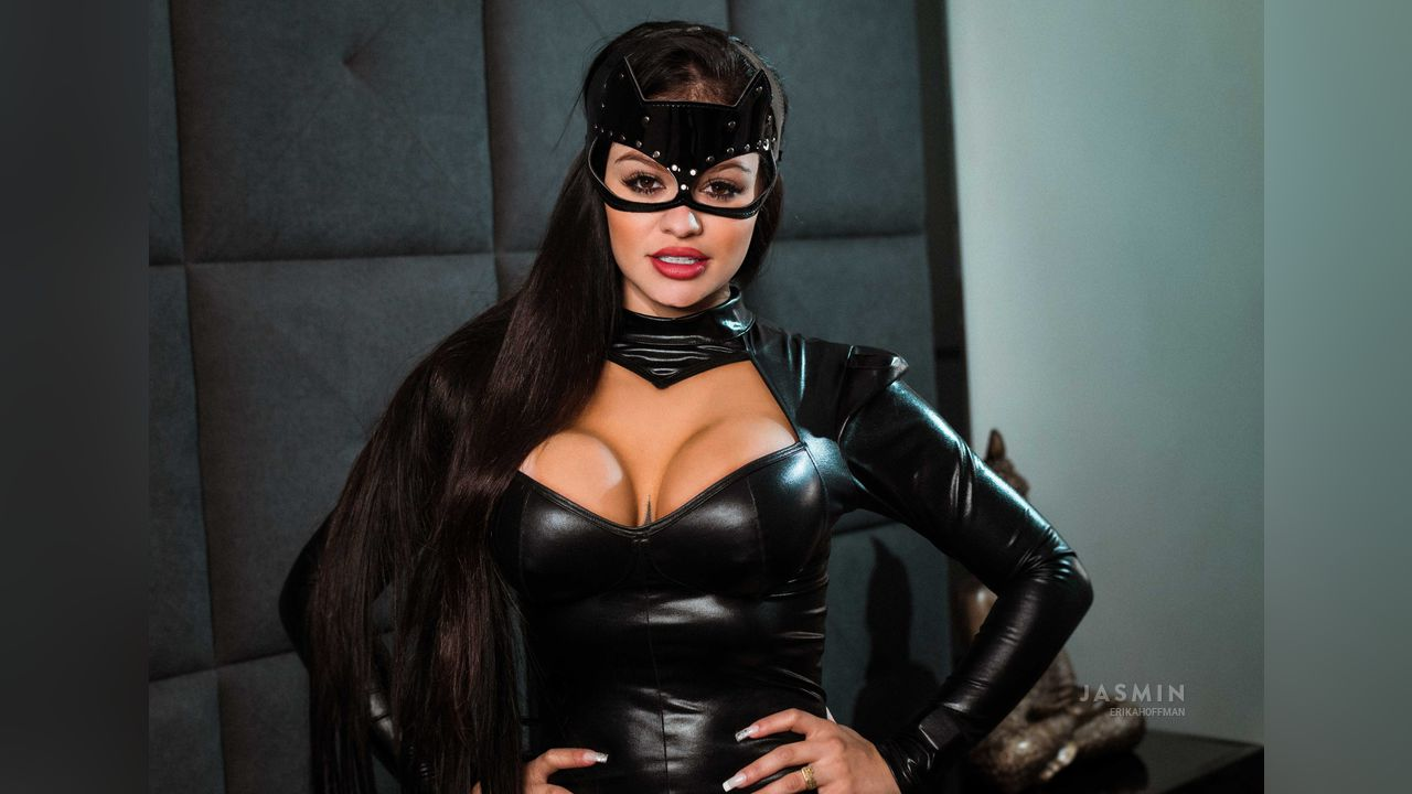 cat woman erika best tits